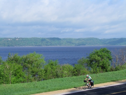 Rich cycling along the Mississippi