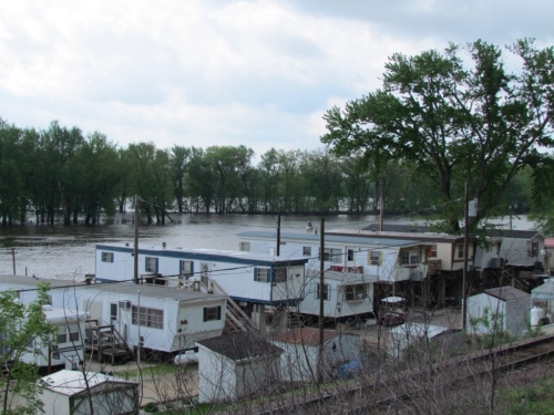 Trailers alongside the Mississippi River