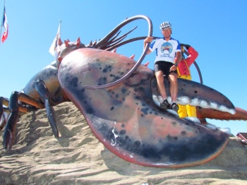 Rich conquers the world's largest lobster!