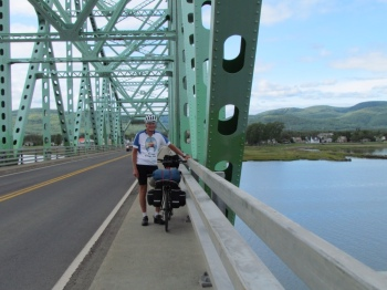 Rich crossing into Quebec