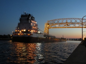 Evening Arrival under the bridge