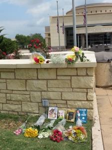 Memorials for Barbara Bush