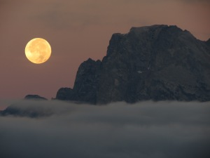 Tetons moonset 1